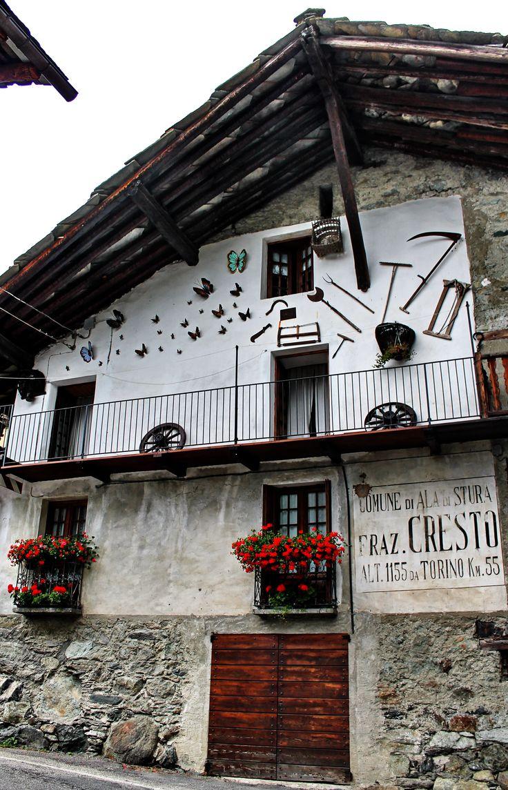 ALA DI STURA fraz. CRESTO - VALLI DI LANZO (Piemonte) - Italy - by Guido Tosatto