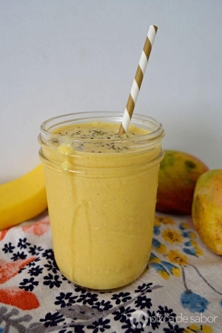 Smoothie de mango, coco y cúrcuma www.pizcadesabor.com