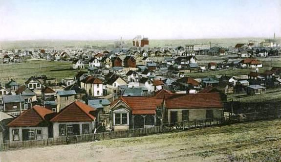 East Calgary, Alberta with the Brewery in the background, ca. 1910s