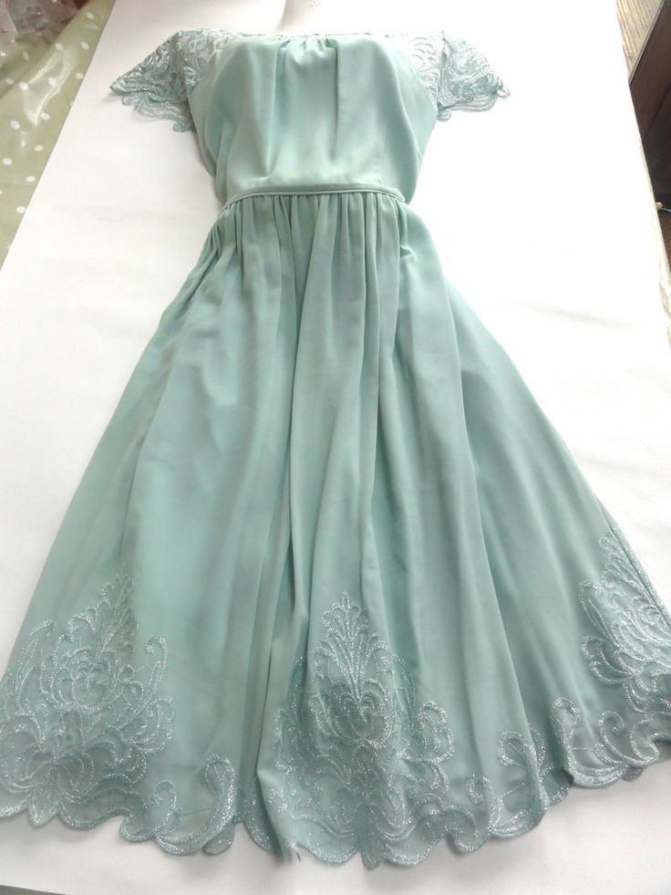 Brand New With Tags: MONSOON DRESS PARTY, WEDDING, 1950s STYLE,  SHEER LACE NECKLINE Plus size UK20 £75.00