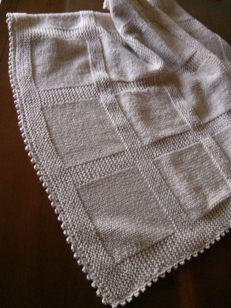 Manta para bebé de lana beig.  Hecha por María Landín