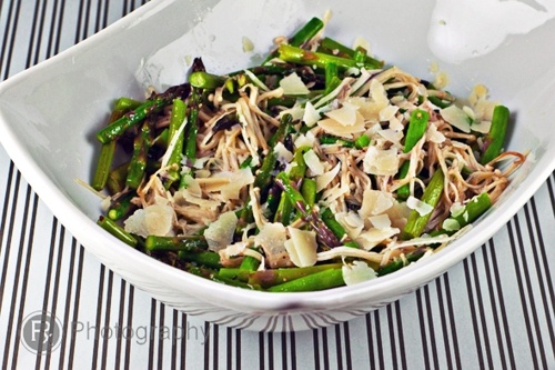 Roasted Asparagus and Enoki Salad Drizzled with Truffle Oil: Mushrooms Salad, Truffles Oil, Salad Drizzle, Foodies Pharmacy, Truffle Oil, Hungry Foodies, Asparagus Enoki, Roasted Asparagus, Enoki Salad