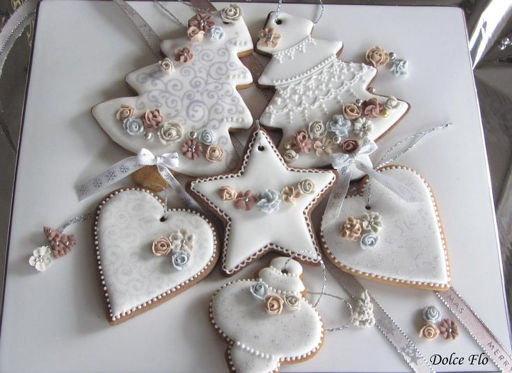 Waiting for Christmas by Dolce Flo. Christmas tree & ornament cookies in white and silver.