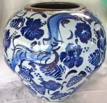 Large Blossom Jar.    MICHAEL PUGH.  Australia.