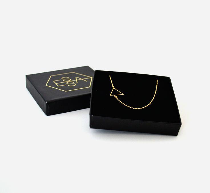 Triangle bracelet made by Essa Design https://www.etsy.com/shop/EssaDesign