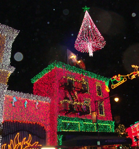 Osborne Spectacle Of Dancing Lights At Disney's Hollywood