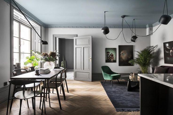 Home in dark colors - via Coco Lapine Design