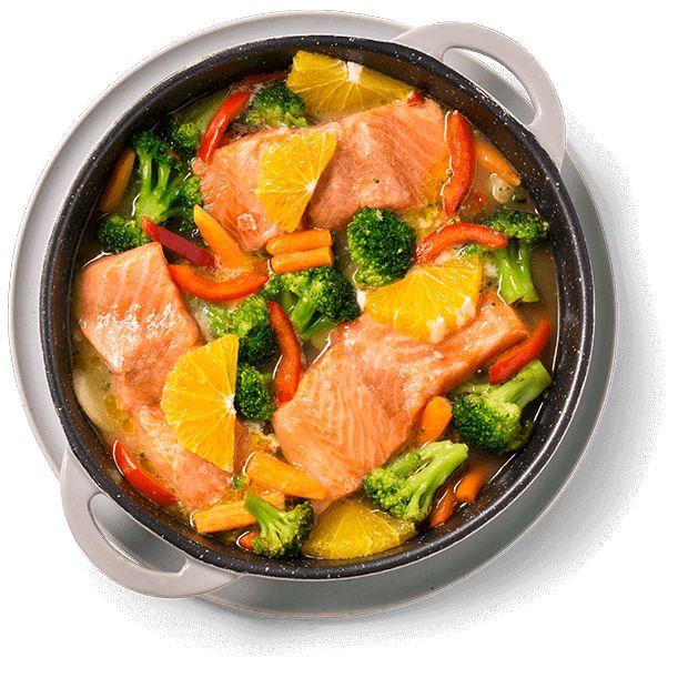 Med ørret og grønnsaker i samme form blir det lite oppvask. Rask og enkel oppskrift på ovnsbakt ørret med appelsin og wokgrønnsaker.