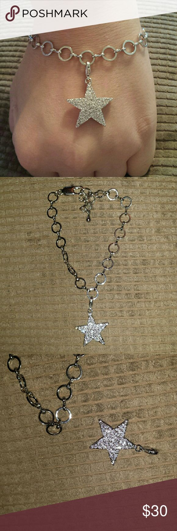 Park lane star bracelet Like new, hardly worn! Star detaches and can be worn on a necklace as well. No trades. Please use offer button when making offers. Park Lane Jewelry Bracelets