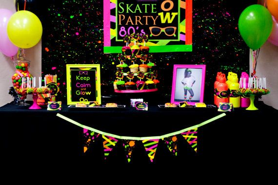 Ideas for an Amazing Neon Glow-in-the-Dark Sweet 16 Party Theme! Includes a Neon Paint Splatter Cake, Glow in the Dark Cotton Candy, and LED Orbs!