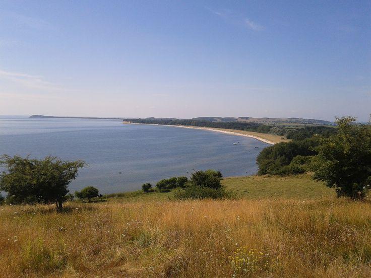"""Blick auf die Halbinsel Mönchgut und den Südstrand im Ostseebad Göhren auf der Insel Rügen, 350 Meter entfernt von der Ferienwohnung """"Zum alten Pfau"""" #wirsindinsel! #rügen"""