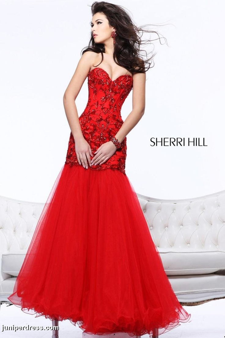 Red sweetheart-styled Sherri Hill Prom Dress with lined pattern #prom2013 #juniperdress #red #sherrihill