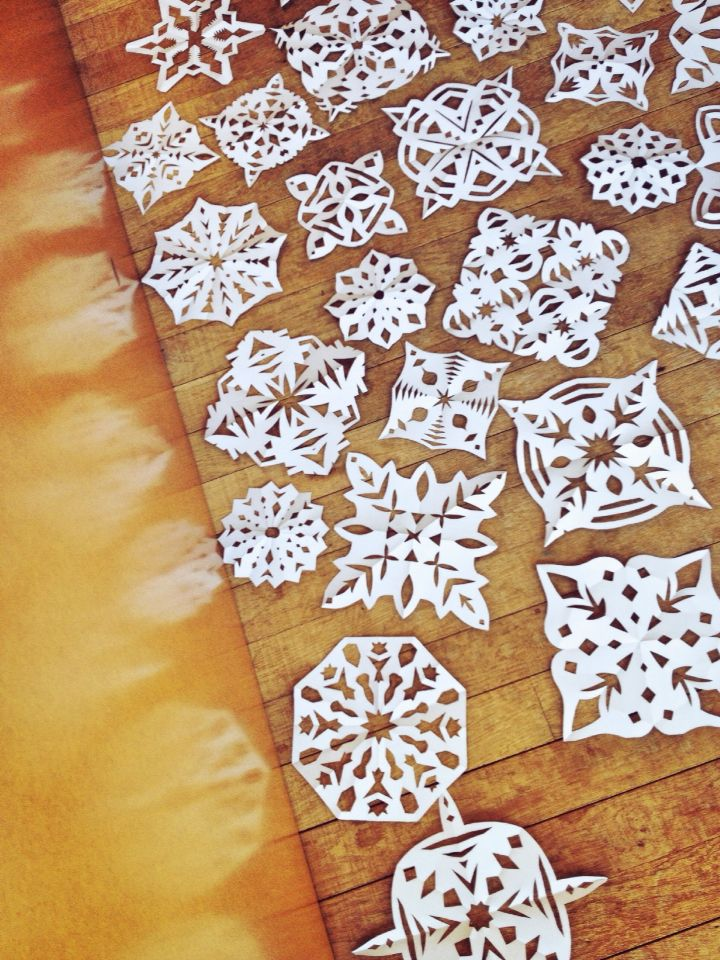 Pretty and easy snowflakes to decorate your home for Christmas ❄️❄️❄️