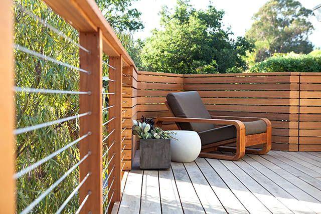 Modern Deck Rails Nice Deck A Mid Century Modern Vibe Modern Deck Railing Diy Diy Deck Patio Modern Deck