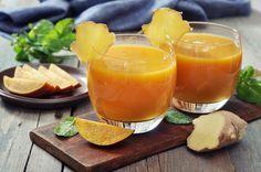 Ingrédients pour [node:title]10 cm de gingembre 2 c. à s. de miel 25 cl d'eau 2 pamplemousses 2 oranges 2 citrons Préparation pour [node:title]Pelez et râper le gingembre. Déposez-le dans une casserole avec le miel et l'eau et faites bouillir. Retirez la casserole du feu et laissez infuser jusqu'à jusqu'à ce que ce sirop soit froid. Puis filtrez-le en plaçant un chinois fin sur un pichet ou une carafe.