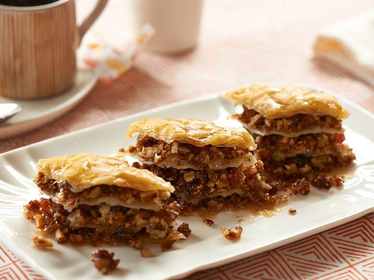 Bacon Pecan Bourbon Baklava recipe  with Maker's Mark. Great for brunch!