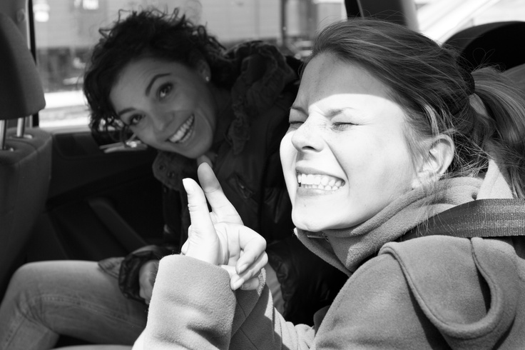 Our models warming up in the car. It was just too cold to shot in t-shirts #fotoshooting #organic #eco #happiness