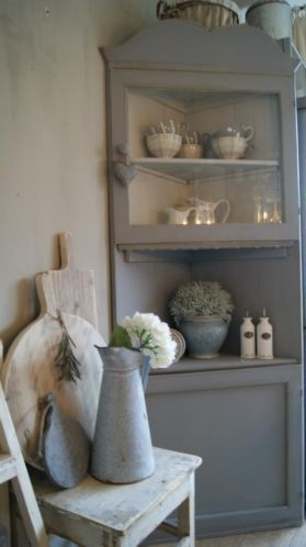 Brocante love the dove gray corner shelves