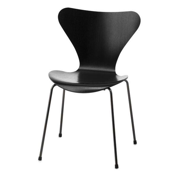 Sjuan (Series 7), Fritz Hansen. Design by: Arne Jacobsen