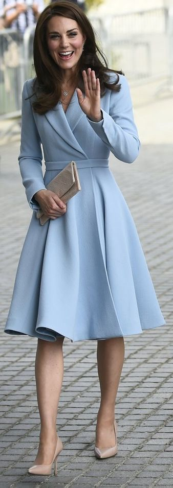 Kate Middleton in Emilia Wickstead http://whatkatewore.com/2017/05/11/kate-opts-for-emilia-wickstead-in-luxembourg/ #kate_middleton_vestidos