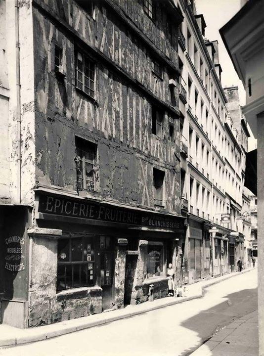 La plus vieille maison de Paris 1240 rue Volta