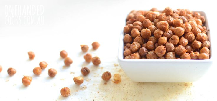 Roasted chickpeas are ridiculously moreish and a great snack to take out and about. We were talking about healthy snacks on the Facebook page recently and one mum mentioned her love of roasted chickpeas (thanks Maria). I just had to try it. I have now made these roasted chickpeas four times in two weeks and …