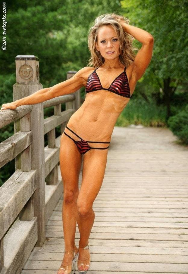 80/10/10 Pro Fitness Model Erin Moubray Interview: I got my Pro Card on ...