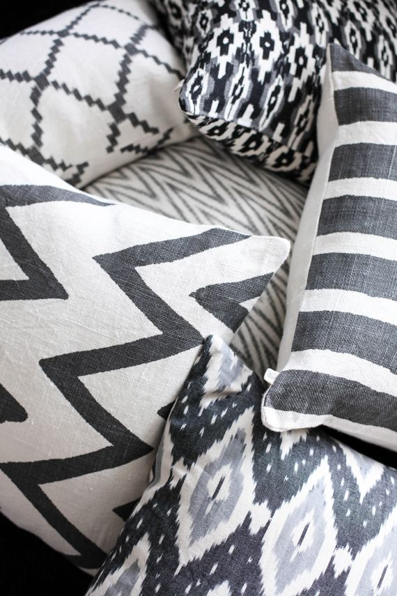 white and grey - two of my favorite things - spice things up by also adding a bright coloured cushion.