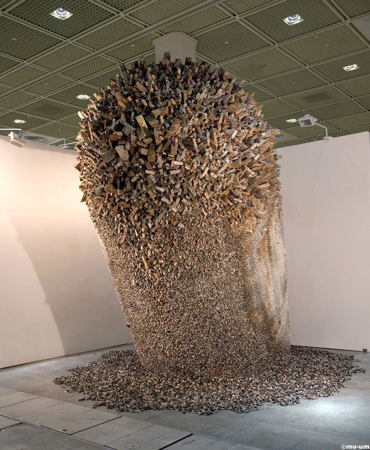 Otherworldly Paper Sculptures by Chun Kwang Young Korean artist Kwang-Young Chun began work on his series of Aggregations in the 1990s. Today, he is recognized internationally for these sculptural forms.