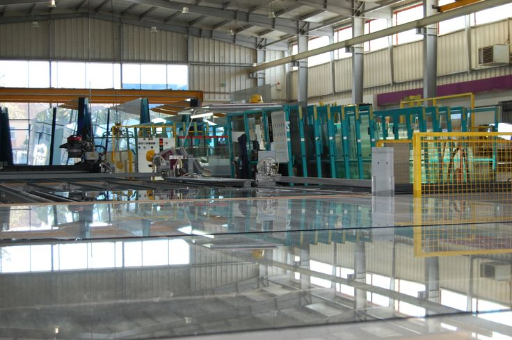Hala productie Lipoplast pentru fabricarea sticlei http://www.lipoplast.ro/fabrica/