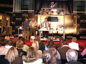 In 2005, we kicked off our holiday season with a cooking demonstration and Cuban cookbook signing at one of the premier shopping destinations in the United States: the Mall of America. Three Guys From Miami: On the web since 1996.
