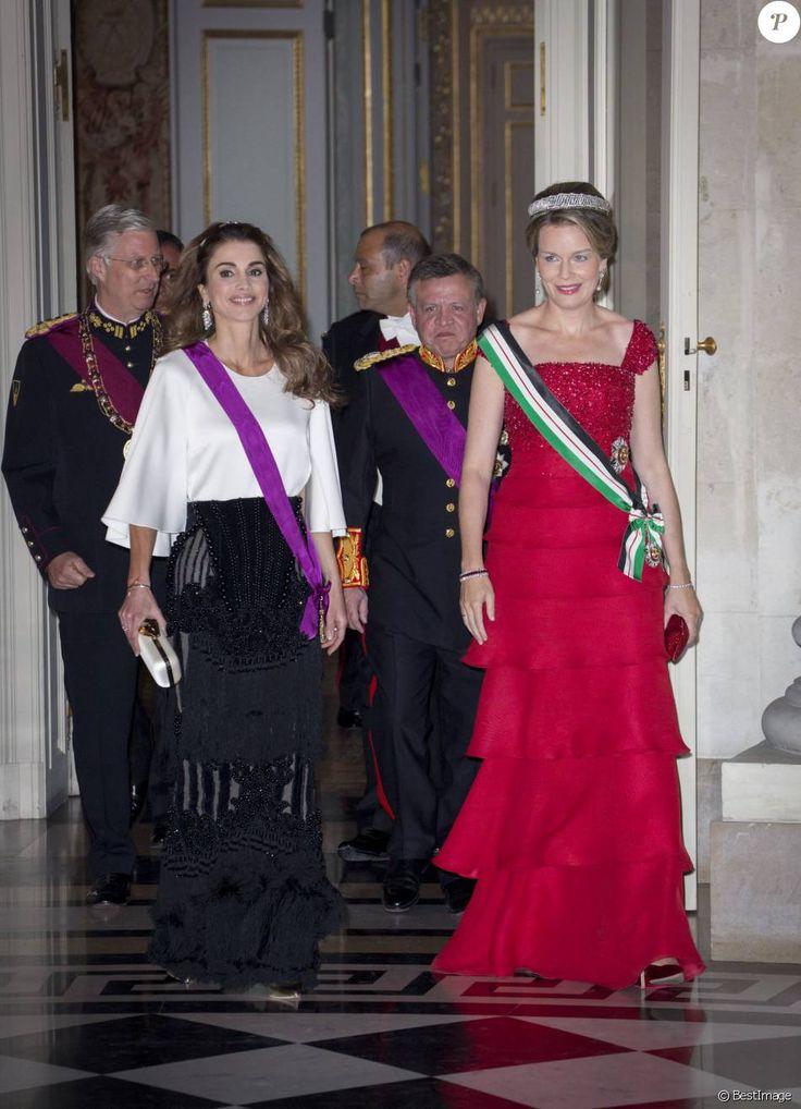 Le roi Philippe et la reine Mathilde de Belgique donnaient un banquet d'Etat en l'honneur du roi Abdullah II et de la reine Rania de Jordanie au château de Laeken le 18 mai 2016 à l'occasion de leur visite officielle.