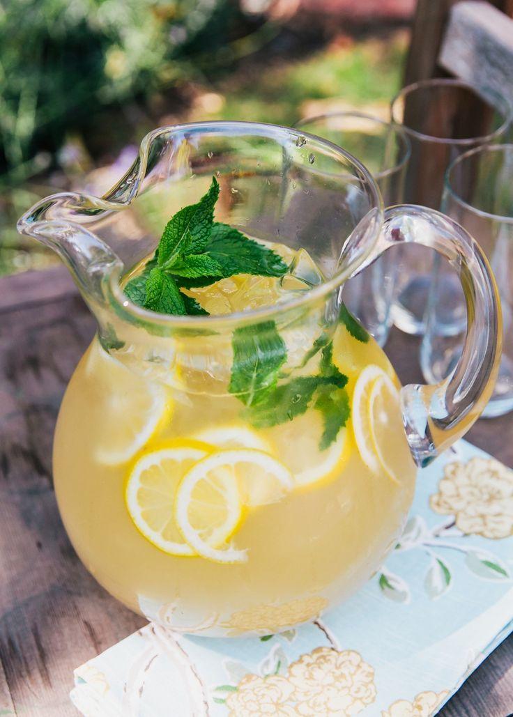 Gunpowder Lemonade with Spearmint Syrup