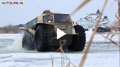 De Russen kunnen dingen. Zoals 4x4's bouwen die kickass zijn. De enorme wielen maken het mogelijk obstakels tot 70 centimeter hoog te overwinnen,