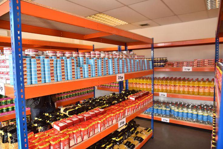 EasyJet, la compagnie aérienne low cost se lance désormais dans l'alimentaire avec Easyfoodstore, sa première chaîne de supermarchés discount !