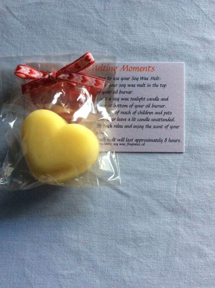 Single heart soy wax melt. Made with love, give with love.