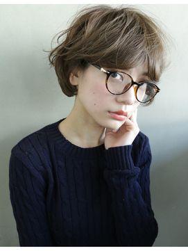 いつもと違う自分にイメチェン伊達メガネの選び方ファッションコーディネート術