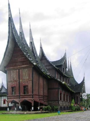 Istana Pagaruyung in Padang, Indonesia by Iwan #travel #asia