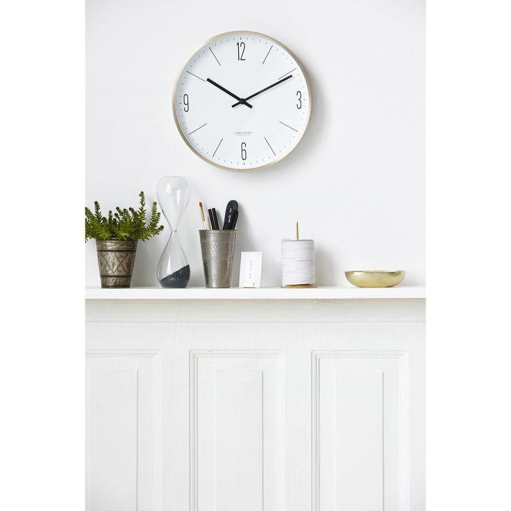 Clock Couture veggklokke fra House Doctor. En stilren klokke med enkel design....