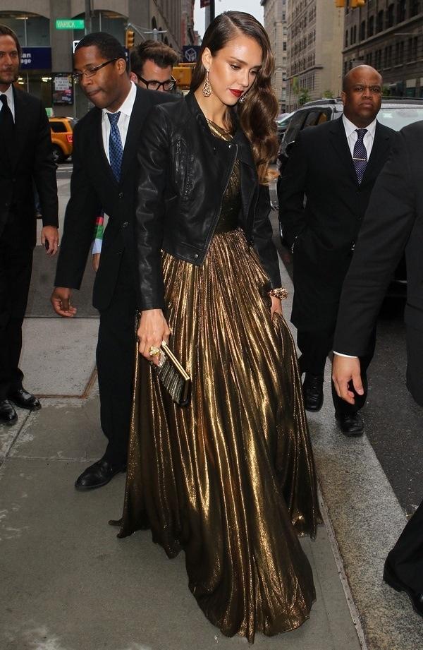 Jessica Alba. award show dress