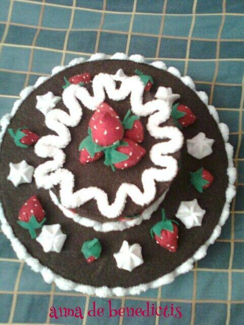 Felt berry cake