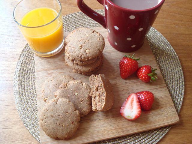 Almond Butter Wholegrain Cookies with Maple Syrup | Cookies z mandlového másla s javorovým sirupem - www.vune-vanilky.cz
