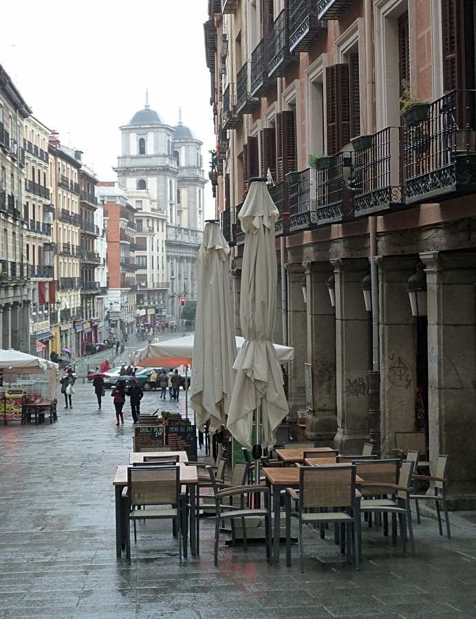 Street scene in Madrid city centre