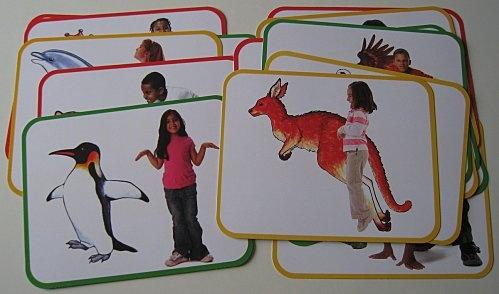 Apprendre à imiter est une compétence essentielle (ici avec les cartes Animalières). A lire: Imiter pour Grandir de J.Nadel