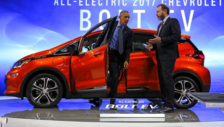 Hybridien ja täyssähköisten autojen myynnin odotetaan ylittävän 17 miljoonan rajan vuoteen 2020 mennessä.