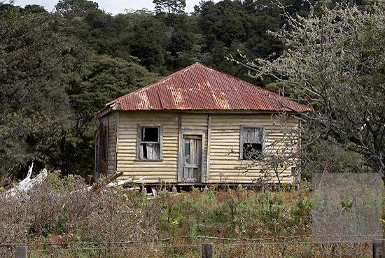 house;old;ruins;delapidated;run_down;rural;rusty