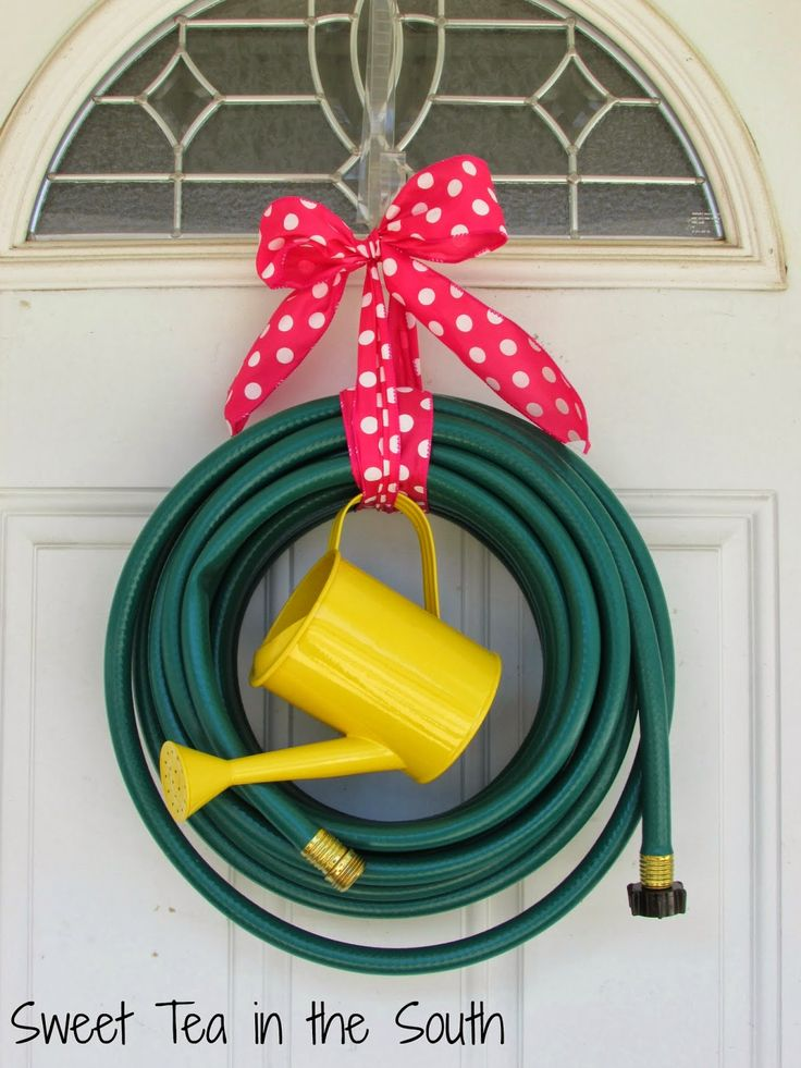 Sweet Tea in the South: Easy Garden Hose Wreath