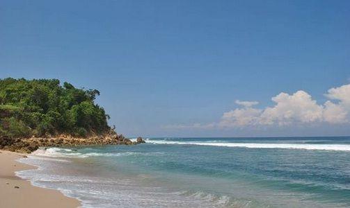 Pantai Molang - https://panwis.com/