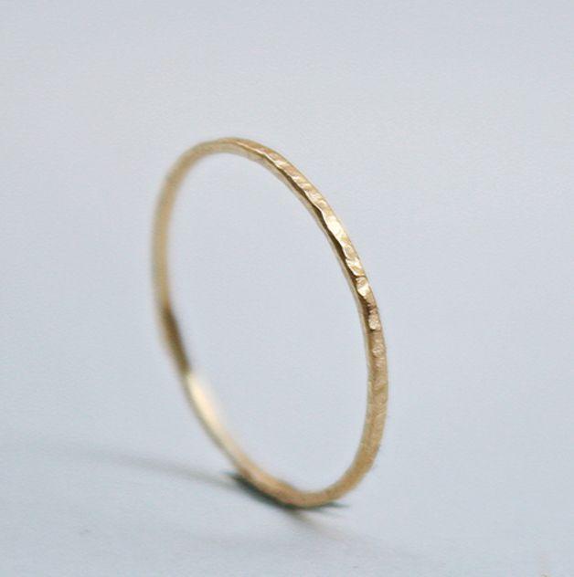 Schlichter, zarter Goldring, ideal als Verlobungsring oder Ehering / plain fine golden ring, perfect as wedding ring or engagement ring made by Schmuckewelt via DaWanda.com