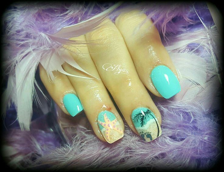 Starfish and beach nail art
